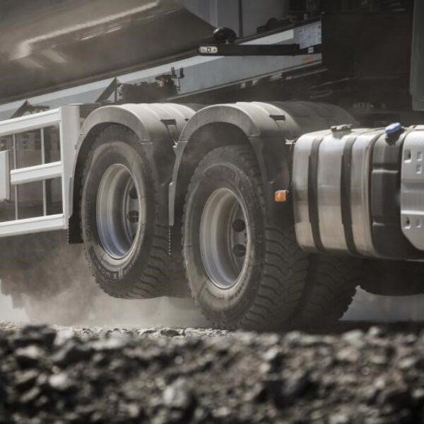 Como funciona a válvula niveladora do caminhão